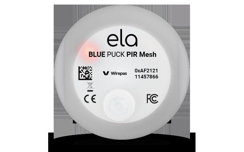 Capteur de présence infrarouge Blue PUCK PIR MESH vue de face avec LED allumée